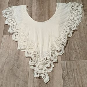 Charlotte russe cream crop top size small